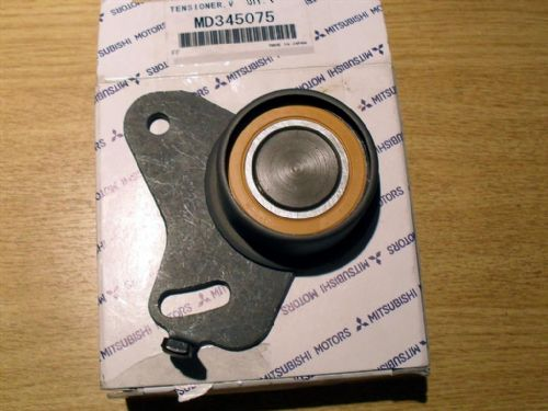 Timing belt tensioner pulley, genuine Mitsubishi Pajero Jr, MD345075